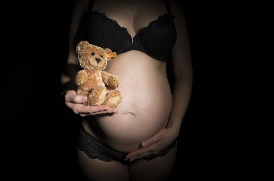 Schwangerschaftsshooting,  Babybauchshooting mit Julia